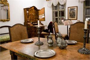 Esstisch in Mozarts Geburtshaus