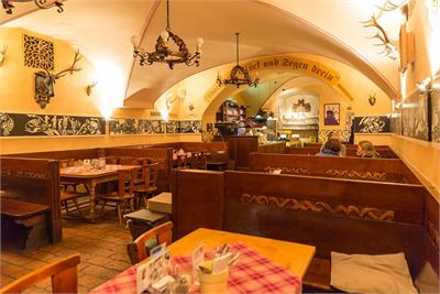 Cosiness and tradition in the Zipfer Bierhaus